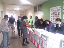 武雄市役所でのお好み焼き販売実習